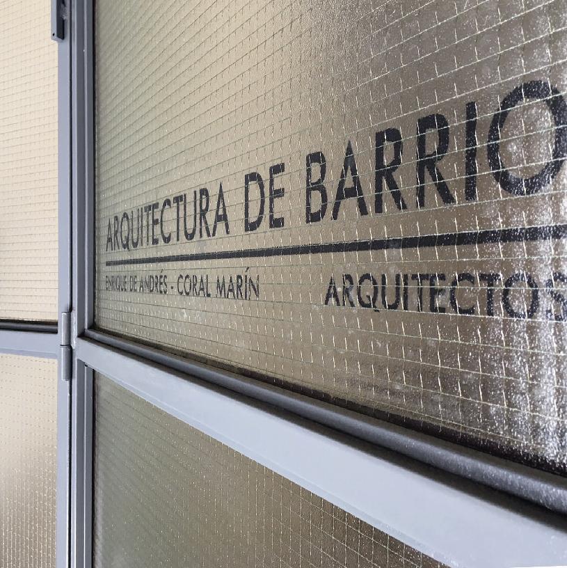 Arquitectura de Barrio. Estudio de arquitectura y Sala de Exposiciones.